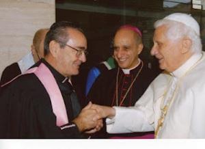 Mons. Antonio Livi a sinistra
