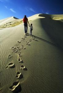 Padre e figlio deserto