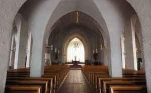 chiesa-cattolica-e1458125618410-696x430