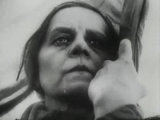 Vsevolod Illarionovič Pudovkin - Mat (Madre), 1926